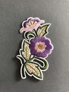 Bn iron/sew on patch flower Embroidered