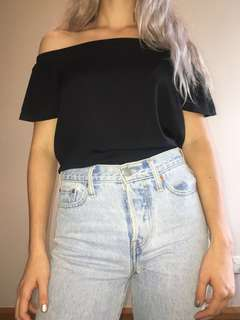 Black off the shoulder top -Glassons