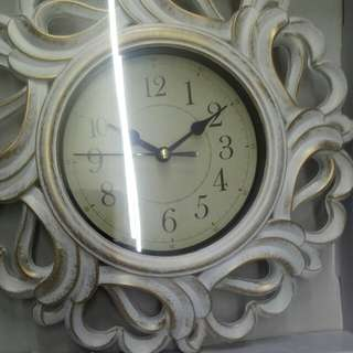 free sf in shopee vintage clock