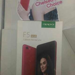 OPPO F5 6GB Warna Merah