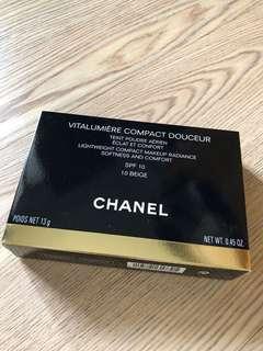 Chanel 活力光采雪紡水潤粉餅 全新未拆