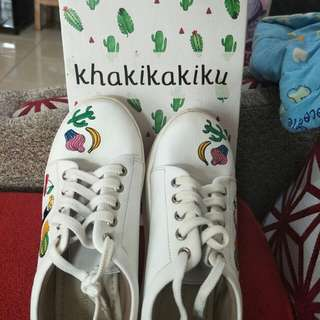 Sepatu keds, Sneakers white with embroidery