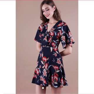 Looking for TTR IZABELA FLARE DRESS NAVY FLORAL