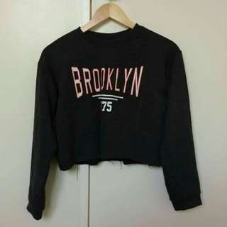 Long sleeves,cropped top