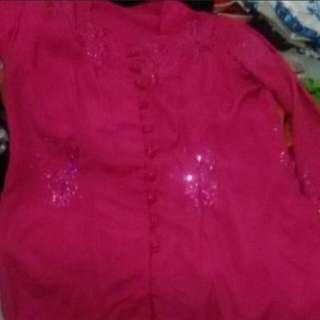 Kebaya pink manik