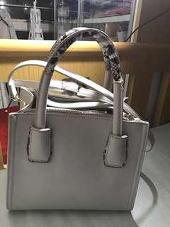 Mizzue 可議價 灰色蛇紋手挽側狽兩用手袋 包包 堅靚
