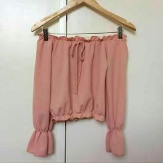 Off shouldered cropped top