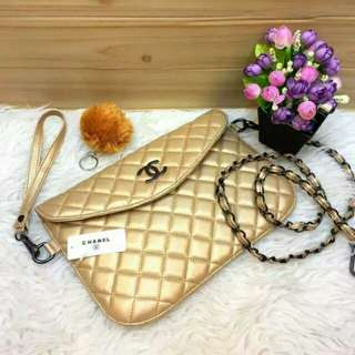 Tas Chanel clutch flip