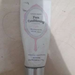 Preloved Face Conditioning Pink Brand Ettude House Kurleb 70%