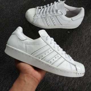 Sale Adidas Superstar size 8.5.