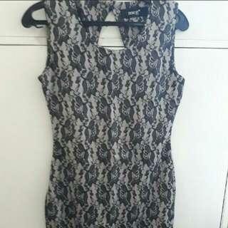 Meg lace dress