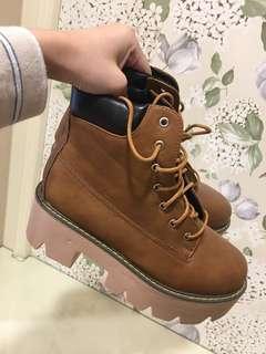 咖啡高筒厚底靴