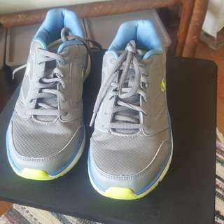 02d662ff8 Champion running shoes (repriced)