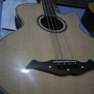 Bass Semi Acoustic