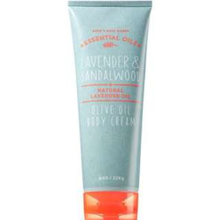 AUTHENTIC BATH & BODY WORKS LAVENDER & SANDALWOOD OLIVE OIL BODY CREAM 226g