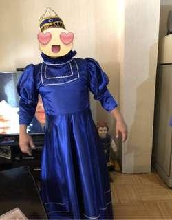 Laura costume