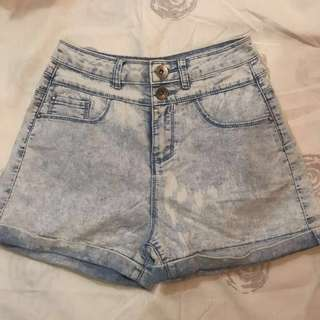 New Look High waisted acid washed denim shorts small
