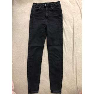 Bershka黑色高腰牛仔褲(24腰)