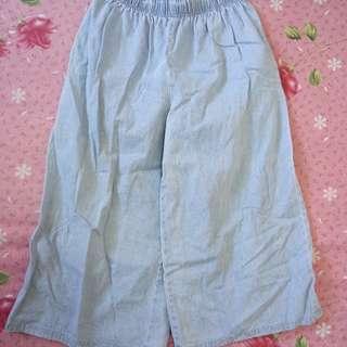 水藍色寬褲 有色差實體再深一點