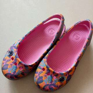 Crocs sandals for kids with free Periwinkle Dress