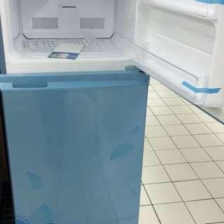 Kulkas sharp 2 pintu bisa cicil