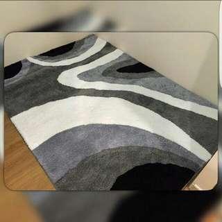 Brand new carpet 1.6x2.3