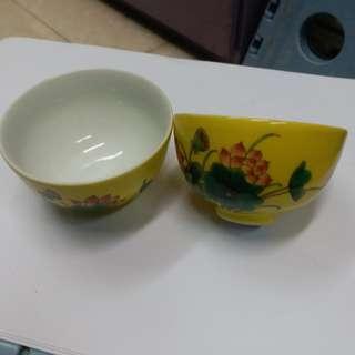 旧黄釉莲花鸟纹杯一对