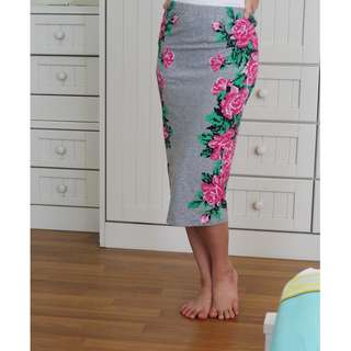 [USED] TOPSHOP Grey bodycon skirt with digital (pixellated) roses print