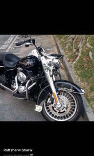 March 2013 FLHR Road King ( vivid black ) For Sale