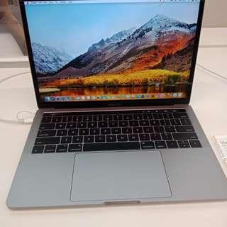 MacBook Pro 13inci&Touch Bar 512GB, Bisa Dicicil Tanpa Kartu Kredit Promo Free 1x Angsuran