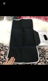 Jellybones baby chaging mat clutch silver