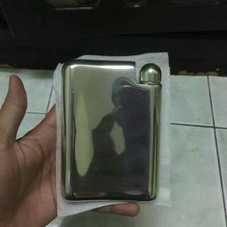 Hipflask design by erik magnussen for non muslim.for keep alcohol.the thing is new.100% for factory.and original Pewter