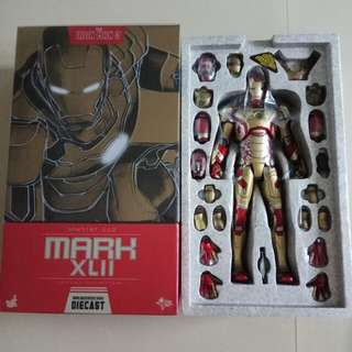 Set of 6 Hot toys Iron Man 42 Peacemaker Snake eyes Shadow Predator Red Raiden tracker predator wts wtt