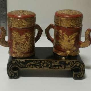 旧镀金茶壶