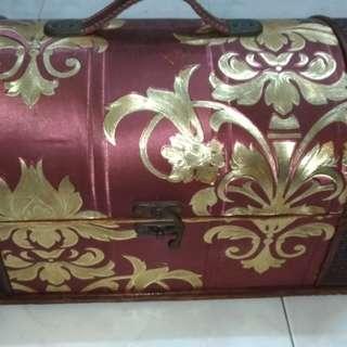 Beg kayu (wooden bag)