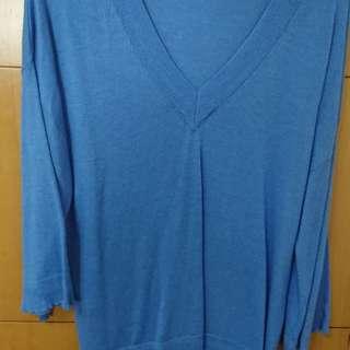Mango天藍色薄針織上衣v領寬袖喇叭袖
