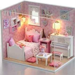 DIY miniature doll house