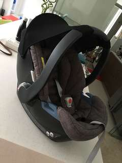 Car seat BRAND NEW NEVER USED