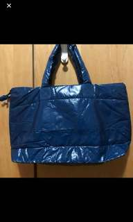 全新 PU shopping  bag blue colour only very simple bag