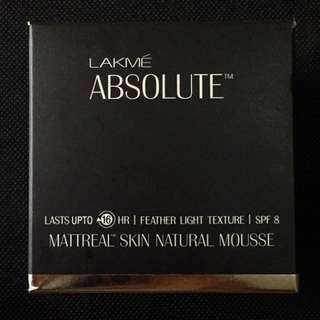 Lakme Absolute Matreal Skin Natural Mousse