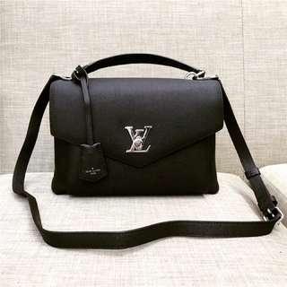 LV 包包(MY LOCKME手袋手提單肩翻蓋郵差包,附背帶可側背斜挎「認明Yuanroro優質賣場