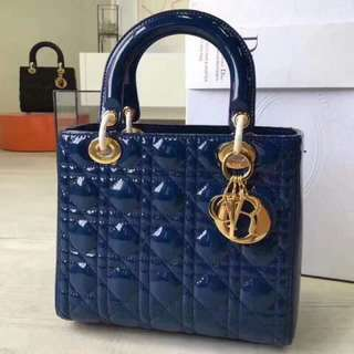 Dior 包包(經典款手提包,亮面漆皮附背帶可肩背lady dior「Yuanroro 優質賣場