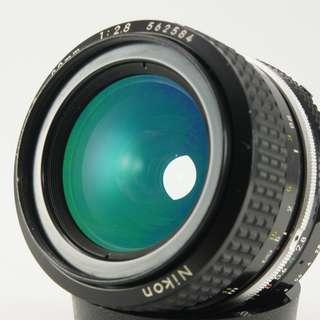 **日光銀鹽** Nikon AI 28mm F2.8 定焦廣角鏡 #584