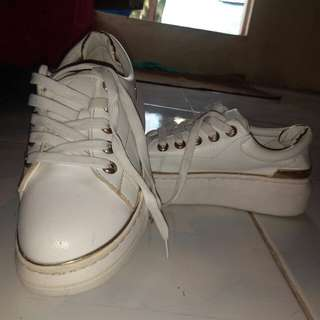 (REPRICED!!!) White leather shoes with gold details