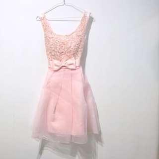 全新淺粉小禮服