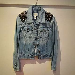 FOREVER 21 DENIM SPIKE JACKET