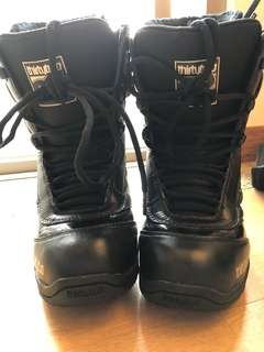 32 snowboard boots US6.5 ; EUR37