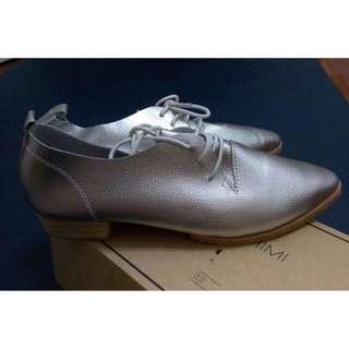 🚚 Starmimi 尖頭休閒鞋