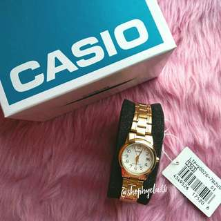 Casio Womens Gold Toned White Dial Analog Watch LTP V002G 7B