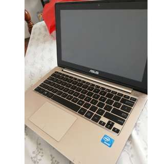 ASUS Laptop (touchscreen)